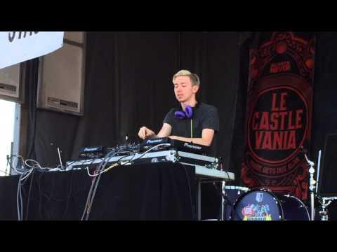 Le Castle Vania @ Warped Tour, Camden, NJ, 07/10/15