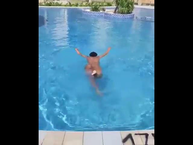 Zodwa Wabantu - Swimming naked
