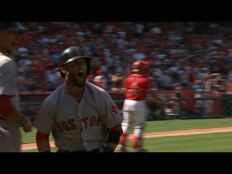 Pedroia crushes a go-ahead three-run homer