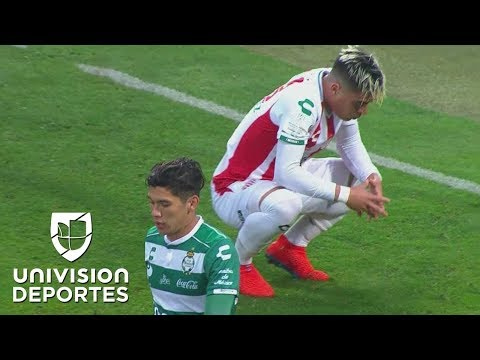 Brian Fernández tuvo el 1-0 cuando Arteaga se vistió de héroe