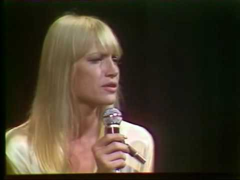 Mary Travers - Conscientious Objector (live in France, 1975)