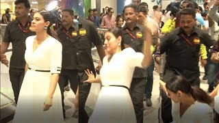 Kajol FALLS Badly At An Event | Bollywood Rewind