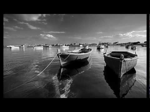 Silent Sorrow In Empty Boats - The Lamb Lies Down On Broadway - Genesis - 1974