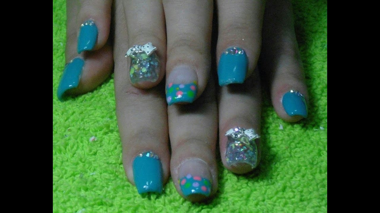 Uñas cortas en azul con brillos-Shot nails blue with glitter. - YouTube