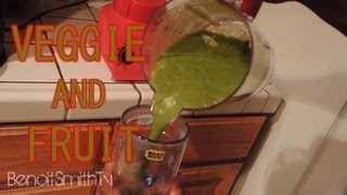 Making a Healthy Fruit and Veggie smoothie