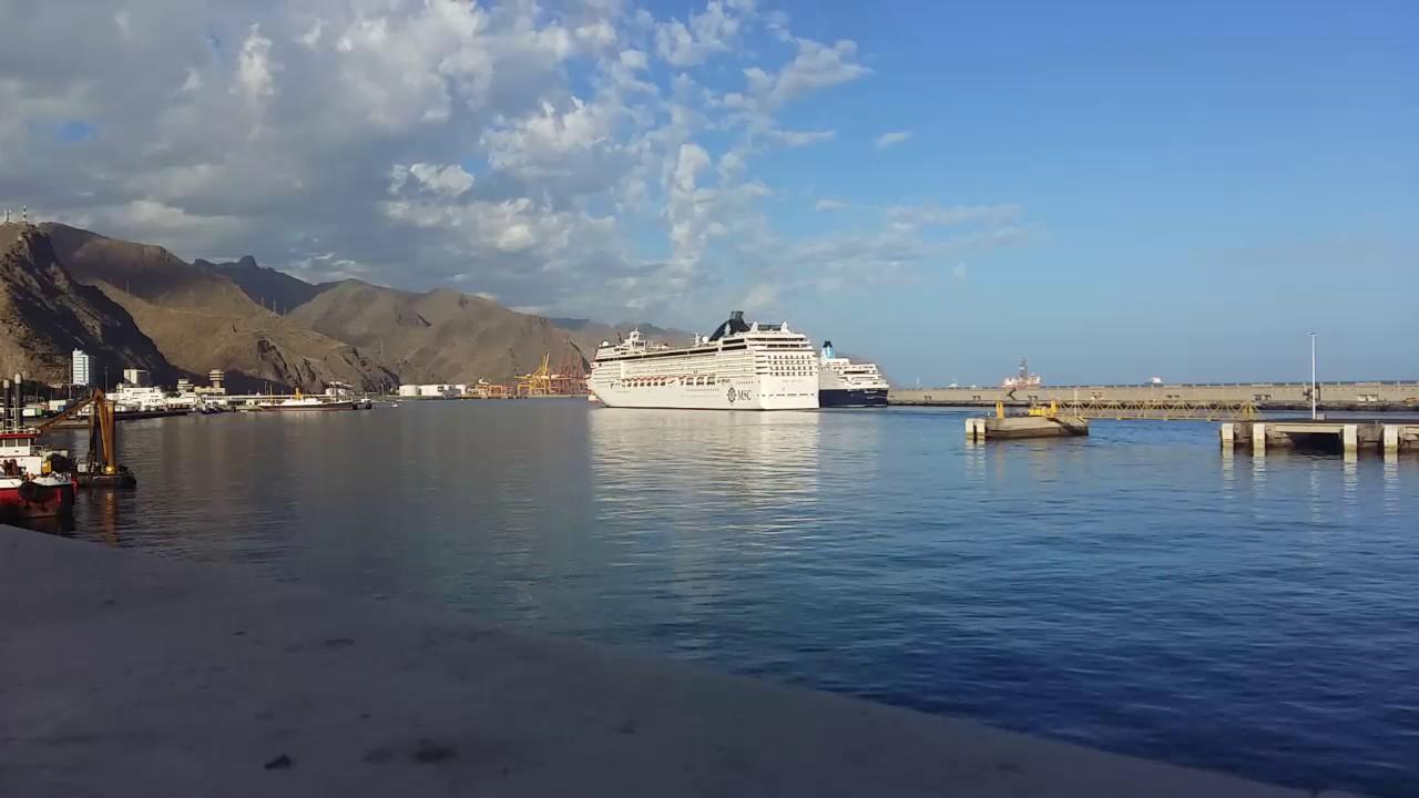 asqueroso pornostar salida en Santa Cruz de Tenerife