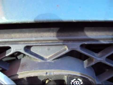 Ford Focus Opening Bonnet Hood.mp4 - YouTube