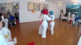 Бой карате киокушинкай в категории 7-8 лет Карпинск Карат