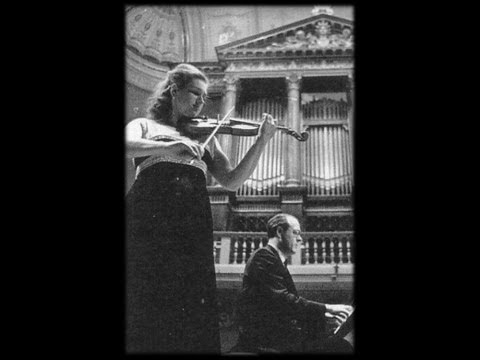 Jela Spitkova - J.Brahms - violin Sonate no.3 re minor mvmnt 4