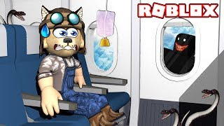 There's SOMETHING WEIRD INSIDE THIS AVION!! ✈️🐍 - AIRPLANE - ROBLOX Camping