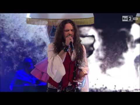 "The Voice IT | Serie 2 | Live 1 | Giacomo Voli canta ""Life on Mars"""