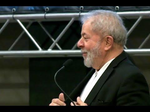 Objetos pessoais do ex-presidente Lula são furtados em Curitiba | SBT Brasil (17/04/18)