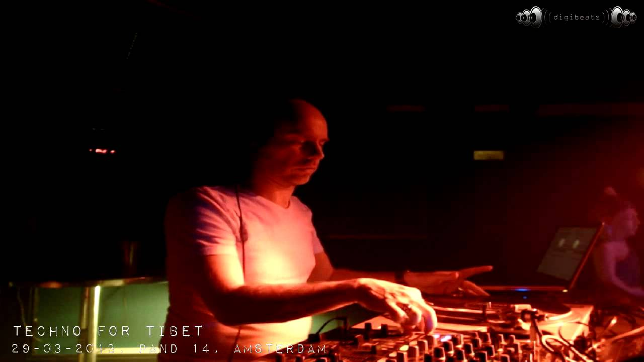 29-03-2013 Techno for Tibet @ Pand 14