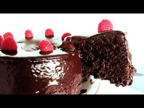 Best Chocolate Cake: Death by Chocolate - Easy One Pot Recipe from scratch
