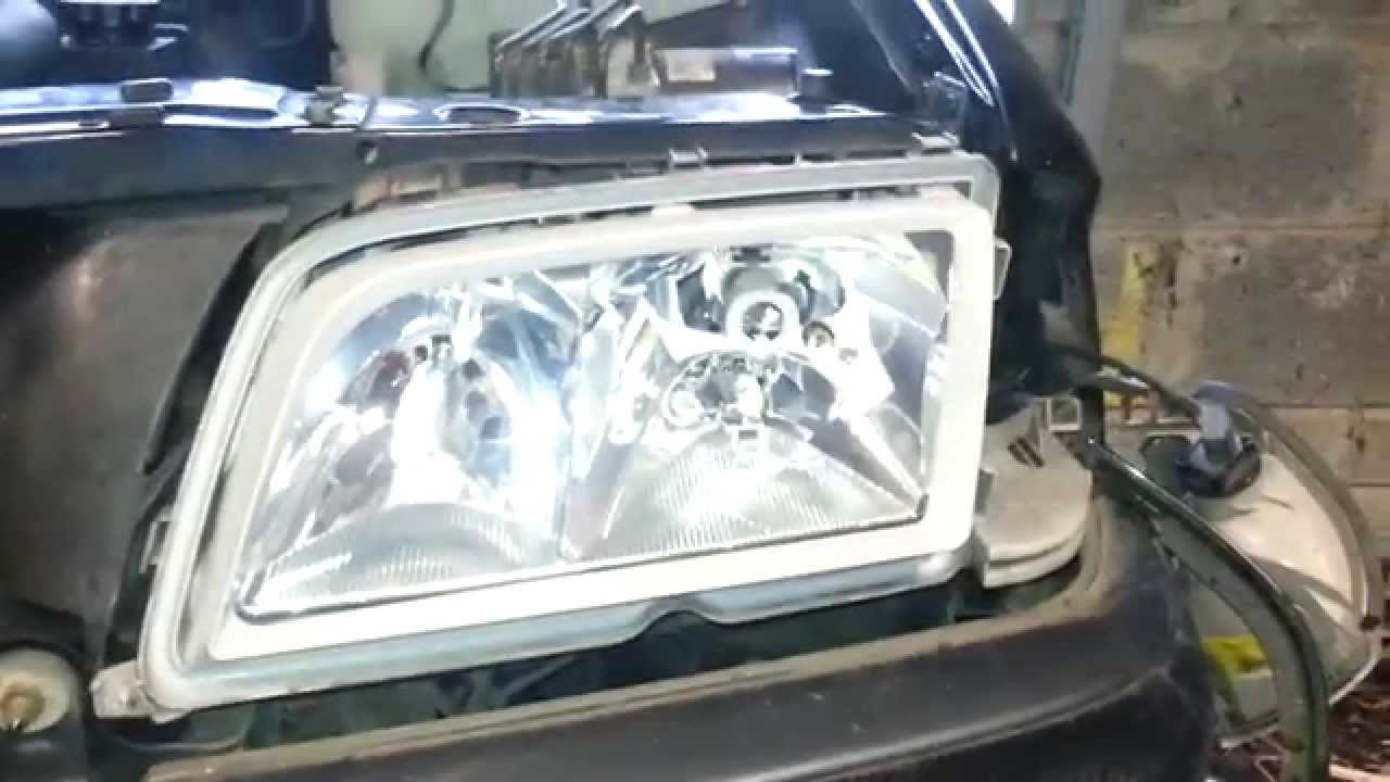Mercedes W202 How To Remove The Headlight Glass Youtube