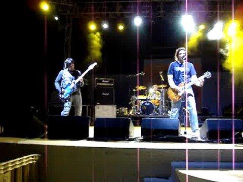 IGUANA TANGO - Lo quieres todo [ Arrecife, Lanzarote - Diciembre 2006 ]