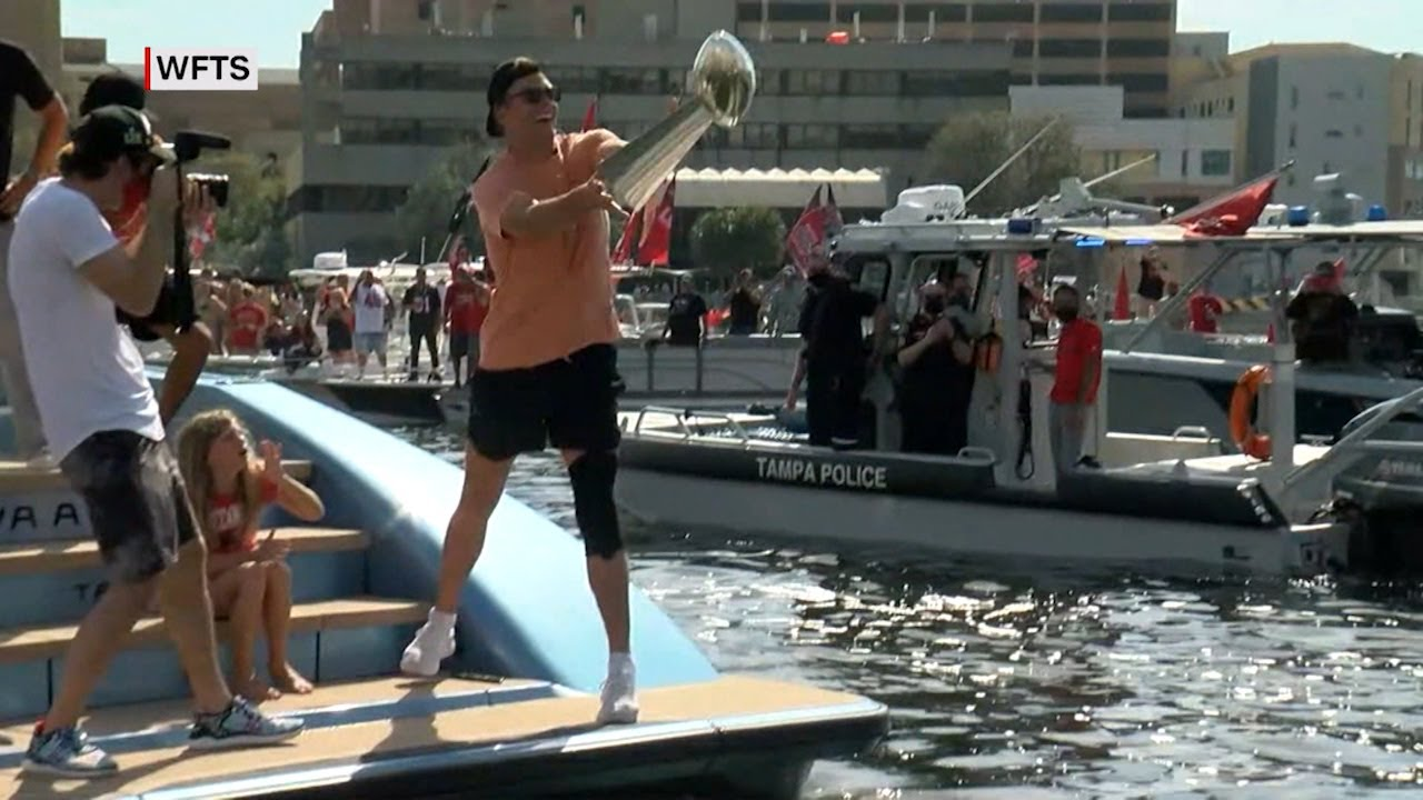 Great Ad for Cloos Eyewear, if you watched Tom Brady toss the Lombardi Trophy from boat to boat