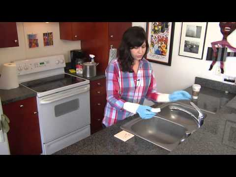 How to Remove Scuff Marks From Tile