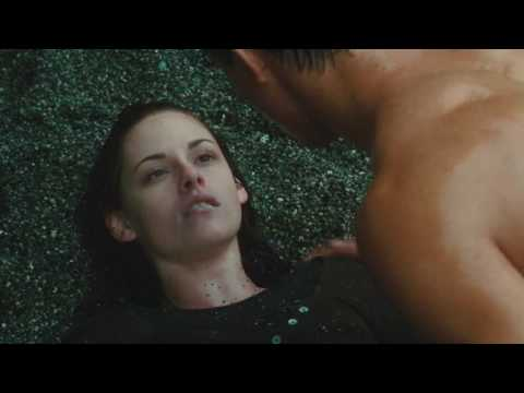 TWILIGHT -CHAPITRE 2 : TENTATION Bande annonce VOST extended poster