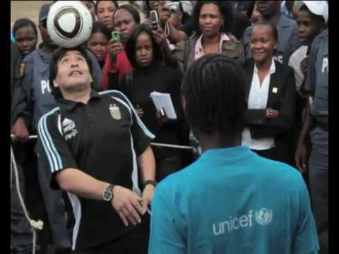 MaximsNewsNetwork: SOUTH AFRICA: DIEGO MARADONA ENCOURAGES SCHOOL CHILDREN WITH SOCCER/FOOTBALL (UNICEF)