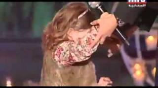 نانسي تغني مع ابنتها ميلا يارب تكبر ميلا 2011