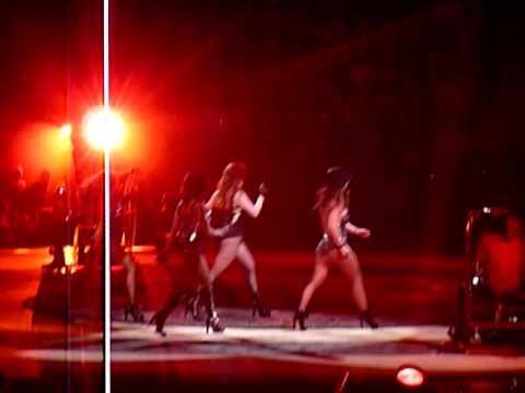 2009 07 13 Britney Spears Stockholm, Sweden Globen I'm a slave 4 you