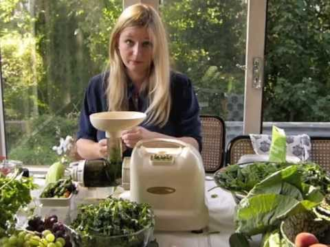 Cold Press Juicing using a Masticating Juicer