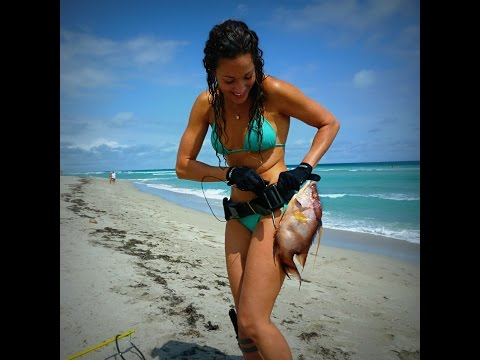 Nicole Spearfishing Freediving in South Florida/ Hogfish, Lobster Grabbing, Huge Tarpon Schools! HD