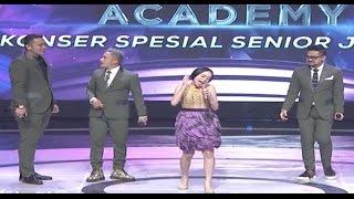 Lucunya Lesti Tiru Gaya Bernyanyi Rita Sugiarto D 39