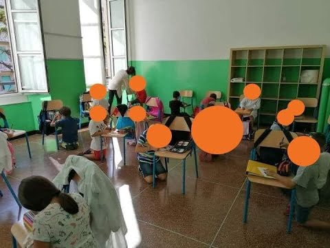 5Stelle: Bambini in ginocchio a Genova foto falsa, e' di Amatrice del Terr remoto. E' vero o no?