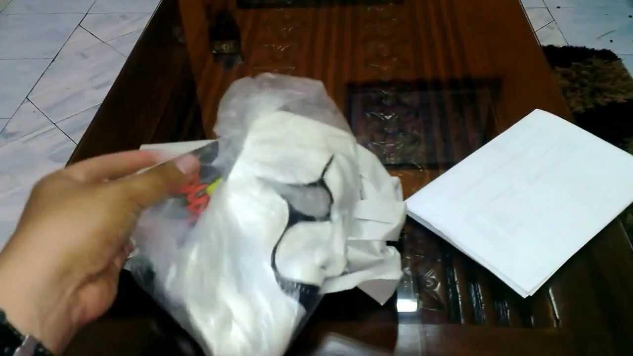Jim Root #4 Slipknot Mask 2009 (AHIG) Unboxing HD - YouTube