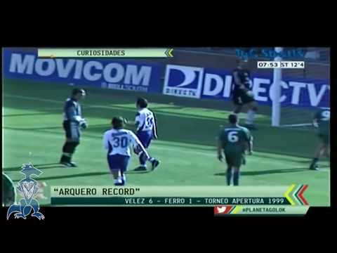 Chilavert record Guinness: Arquero mete un hat-trick / Goalkeeper scores a hat-trick