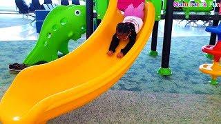 Bermain mainan anak main perosotan taman bermain Rumah rumahan bandara udara indoor playground