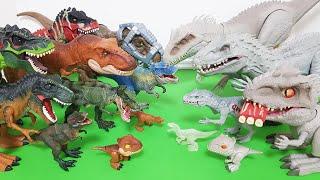 공룡들이 점점 커진다!! 티라노사우루스와 인도미누스렉스가 점점 커지는데! 우와~ 정말 신기하다!