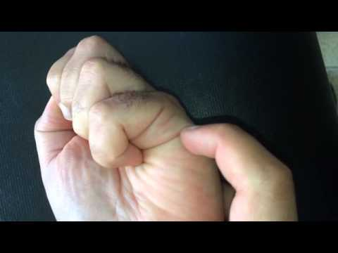 Как погадать по руке