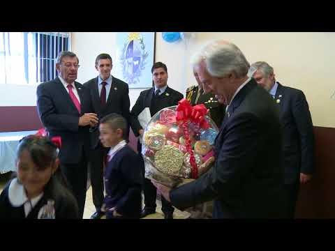 Presidente Vázquez visitó en México la escuela República Oriental del Uruguay
