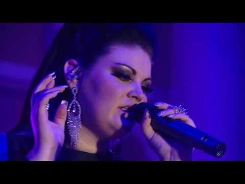 Corlea Botha – Help Me Make It Through The Night (Skyroom Live)