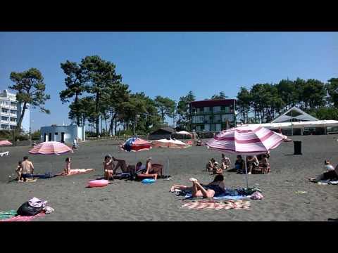 Уреки, Грузия. Пляж, магнитный песок.