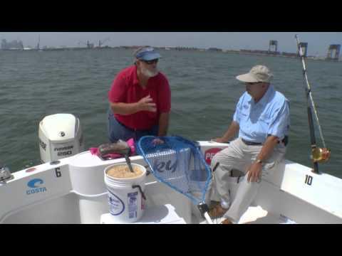 Basic Methods Of Chumming When Fishing - Captain Bouncer Smith - IGFA Video Tutorial