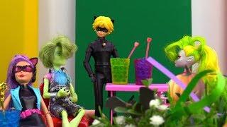 Мультик #ЛедиБаг и #СуперКот: #АнтиБаг устроила ПОГРОМ НА ВЕЧЕРИНКЕ! Кто стащил конфеты? Игры #Куклы
