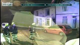 Great Britain: Gas leak - the house explodes ''live''