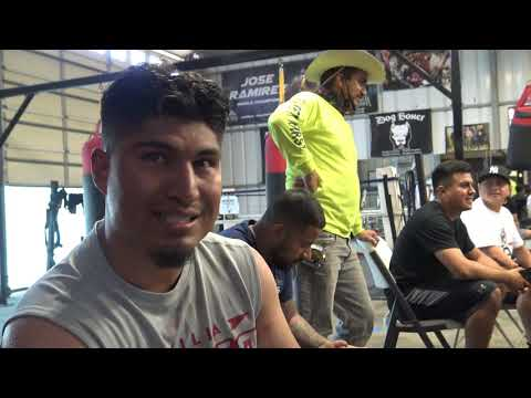 Gerovnta Davis Vs Leo Santa Cruz - Mikey Garcia Breaks It Down EsNews Boxing
