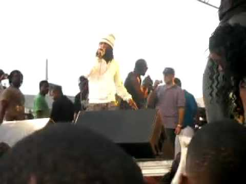 Bounty Killer Diss Vybz Kartel @ West Kingston Jamboree 2k9 Gully/Gaza Peace