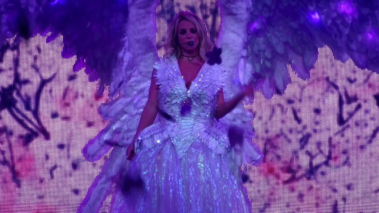 Britney Spears - Everytime @ Planet Hollywood Las Vegas ...