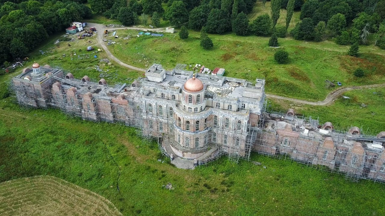 Abandoned Billionaires Mansion (The Devilu0027s Palace) Largest Mansion In UK