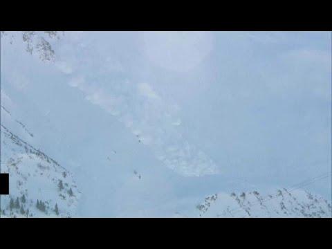 شاهد: ثلوج متراكمة وانهيارات جليدية في النمسا  - نشر قبل 2 ساعة