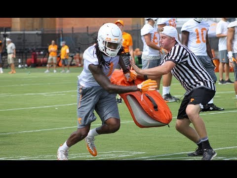 Tennessee WIDE RECEIVERS Practice   8/6/17
