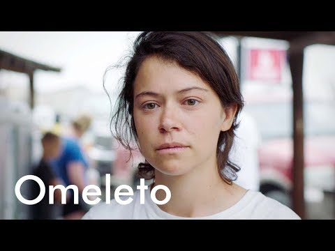 Tatiana Maslany: A young couple prepares for the end during a solar eclipse. | Souls of Totality