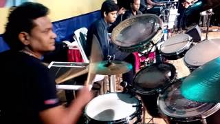 Drum played by manoj pawar,,song om shanti om