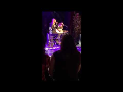 Julia Michaels - Anxiety [Acoustic] (live @ Beacon Theatre 12/13/18)